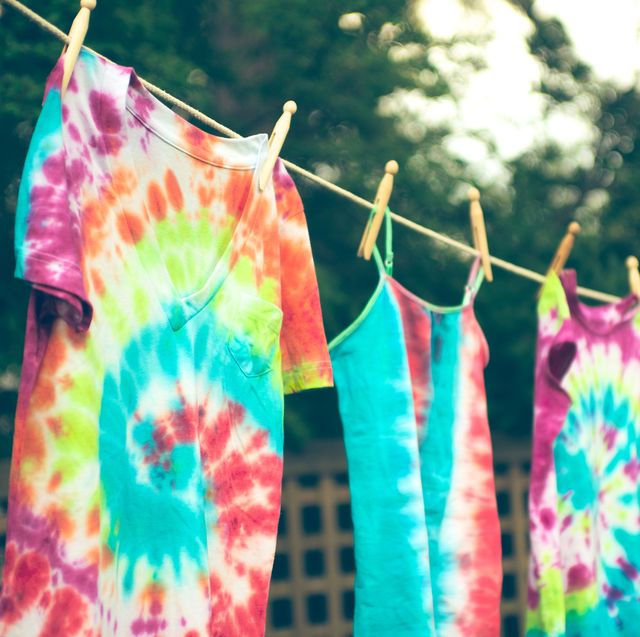 14 Easy Tie Dye Ideas How To Tie Dye Shirts Shoes And More