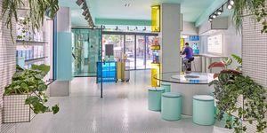 Tienda de Cuadernos Rubio diseñada por Masquespacio