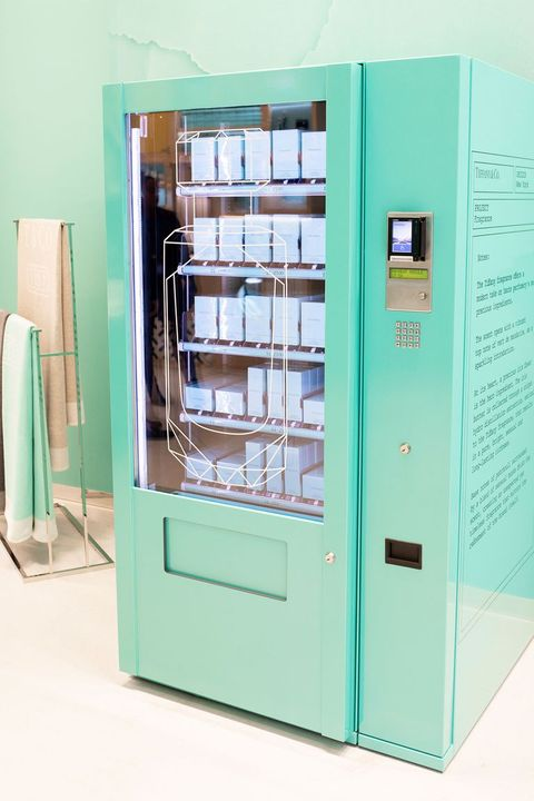a tiffany co vending machine exists perfume vending machine