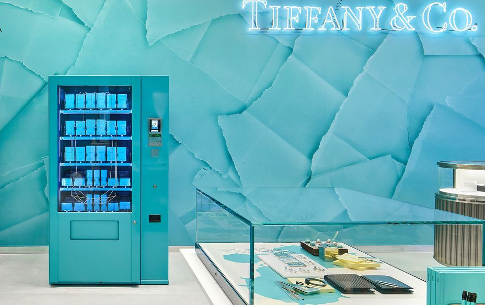 13791821c A Tiffany & Co vending machine exists – Perfume vending machine inside the  new Tiffany Covent Garden store
