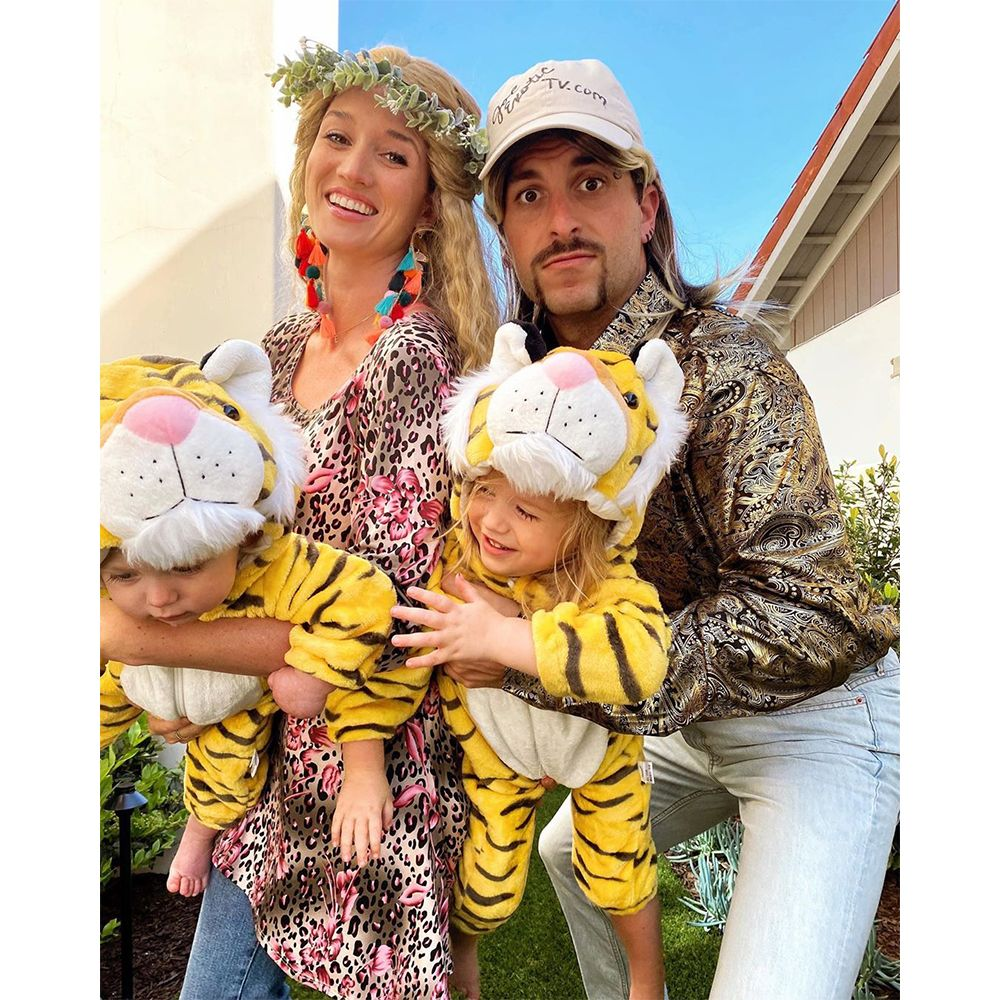 Cute Ideas For Family Halloween Costumes.32 Best Family Costume Ideas For Halloween 2020 Cute Family Halloween Costumes