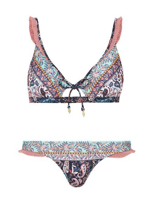 Lingerie, Clothing, Bikini, Brassiere, Undergarment, Swimsuit bottom, Briefs, Swimwear, Lingerie top, Swimsuit top,