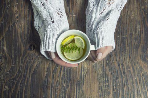 Thee met citroen en tijm