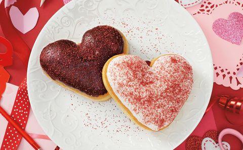Heart, Food, Valentine's day, Cuisine, Dish, Sweetness, Lebkuchen, Biscuit, Dessert, Baked goods,
