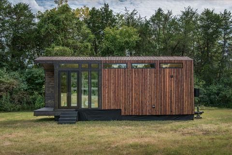 modern farmhouse tiny home
