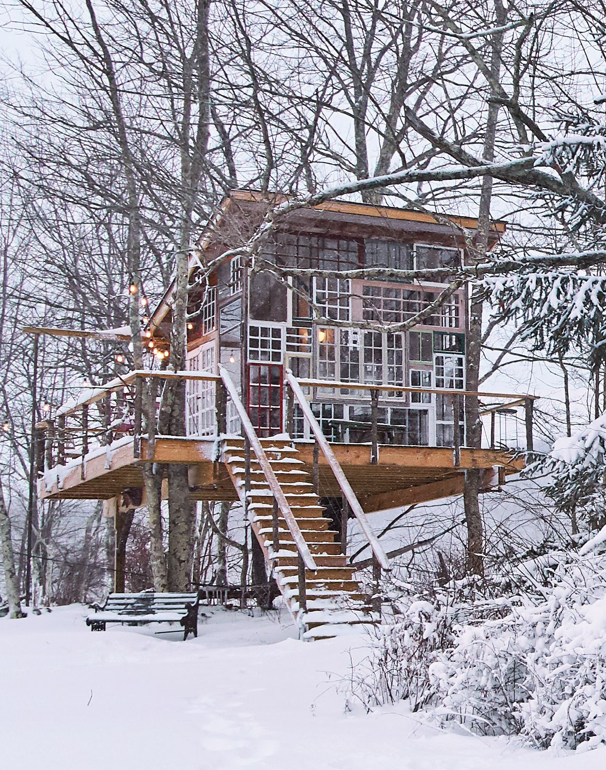 tiny house windows treehouse