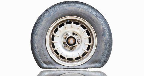 Tire, Alloy wheel, Wheel, Automotive tire, Rim, Auto part, Automotive wheel system, Synthetic rubber, Spoke, Vehicle,