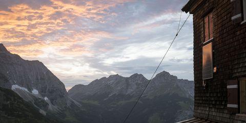 oesterreich austria, tirol tyrol, karwendel gebirge, falkenhuette huette alpine chalet cottage, mountain hut 072016