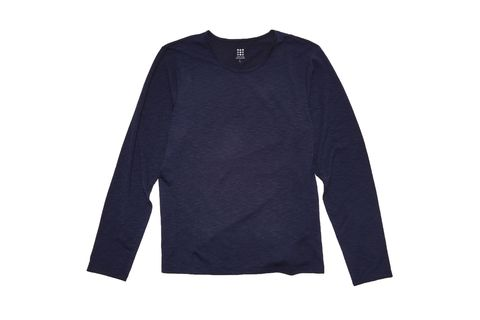 Clothing, Long-sleeved t-shirt, Sleeve, Black, T-shirt, Outerwear, Jersey, Sweater, Top, Shirt,