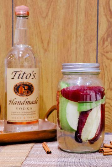 Drink, Food, Ingredient, Shrub, Distilled beverage, Liqueur, Non-alcoholic beverage, Apple, Sangria, Fruit,