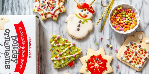 Food, Icing, Gingerbread, Snack, Sprinkles, Dessert, Royal icing, Cookies and crackers, Baked goods, Finger food,
