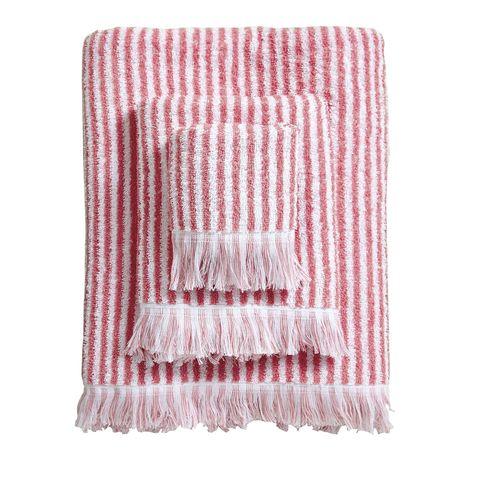 Toallas de algodón con rayas y flecos, en Zara Home
