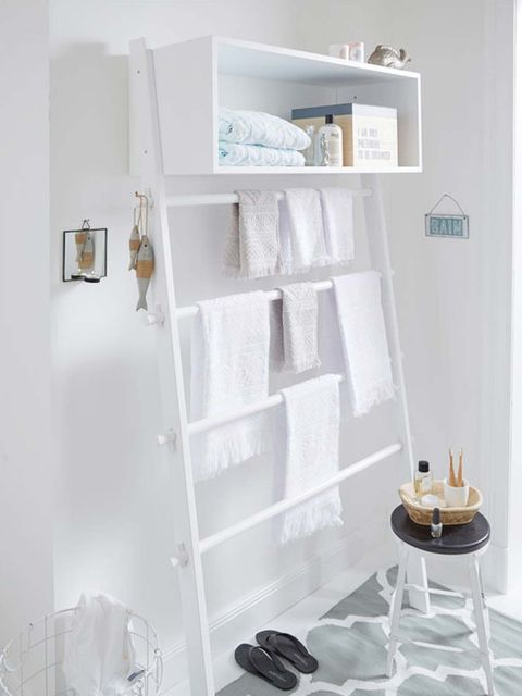 Shelf, White, Shelving, Furniture, Room, Wall, Material property, Interior design, Bookcase, Table,