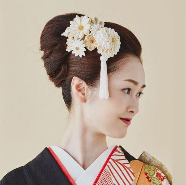 花嫁のきものにぴったりのヘア飾りの選び方