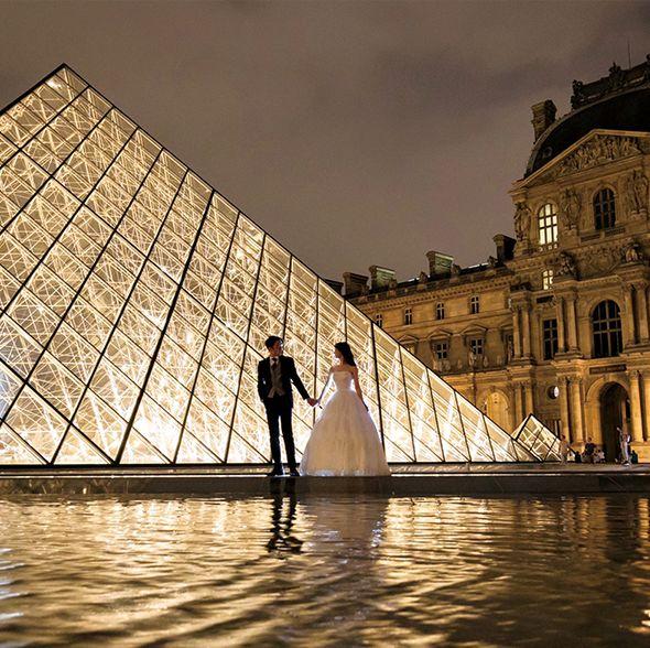 パリでの前撮りも神前式も! ふたりで作りあげたウエディング