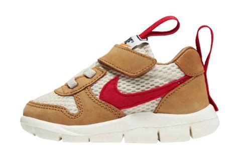 Footwear, White, Shoe, Product, Beige, Brown, Sneakers, Outdoor shoe, Walking shoe, Sportswear,