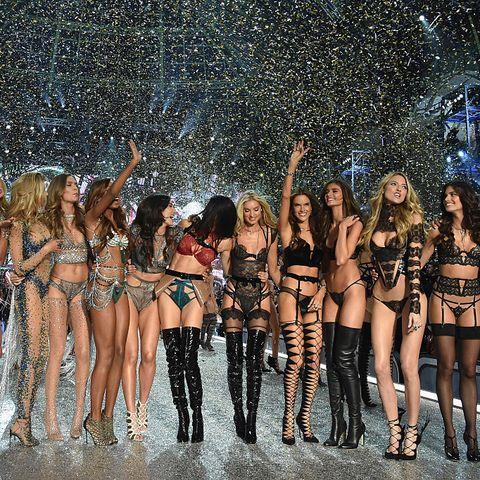 Fashion, Fashion show, Event, Model, Fashion model, Performance, Fun, Dancer, Competition, Bikini,
