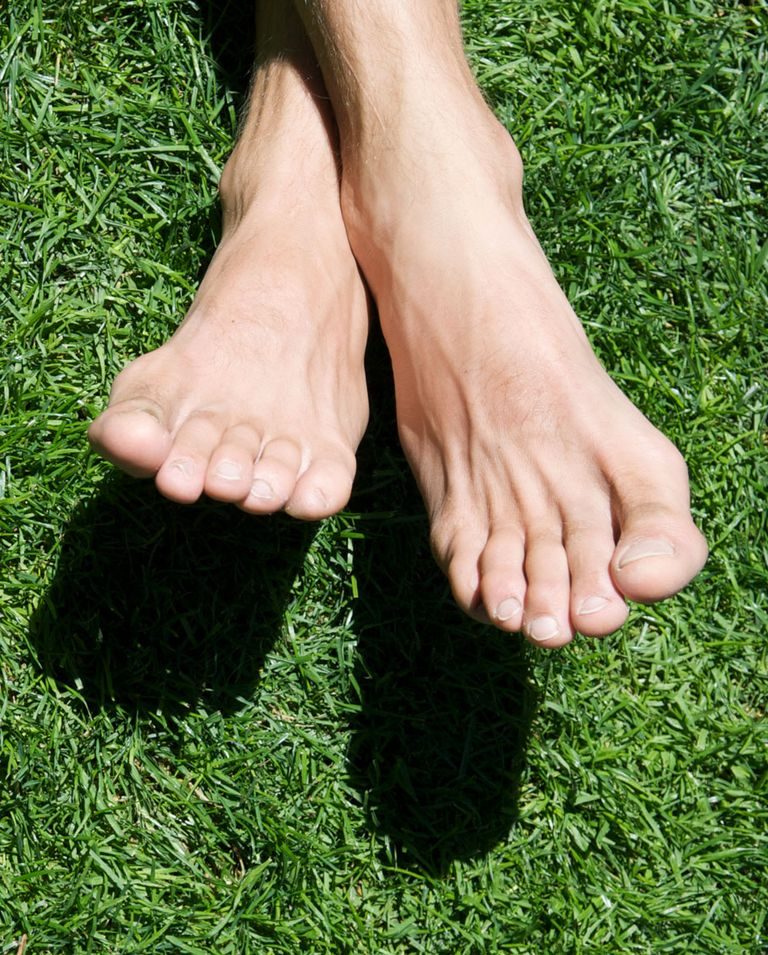 What the color of toenails says about health