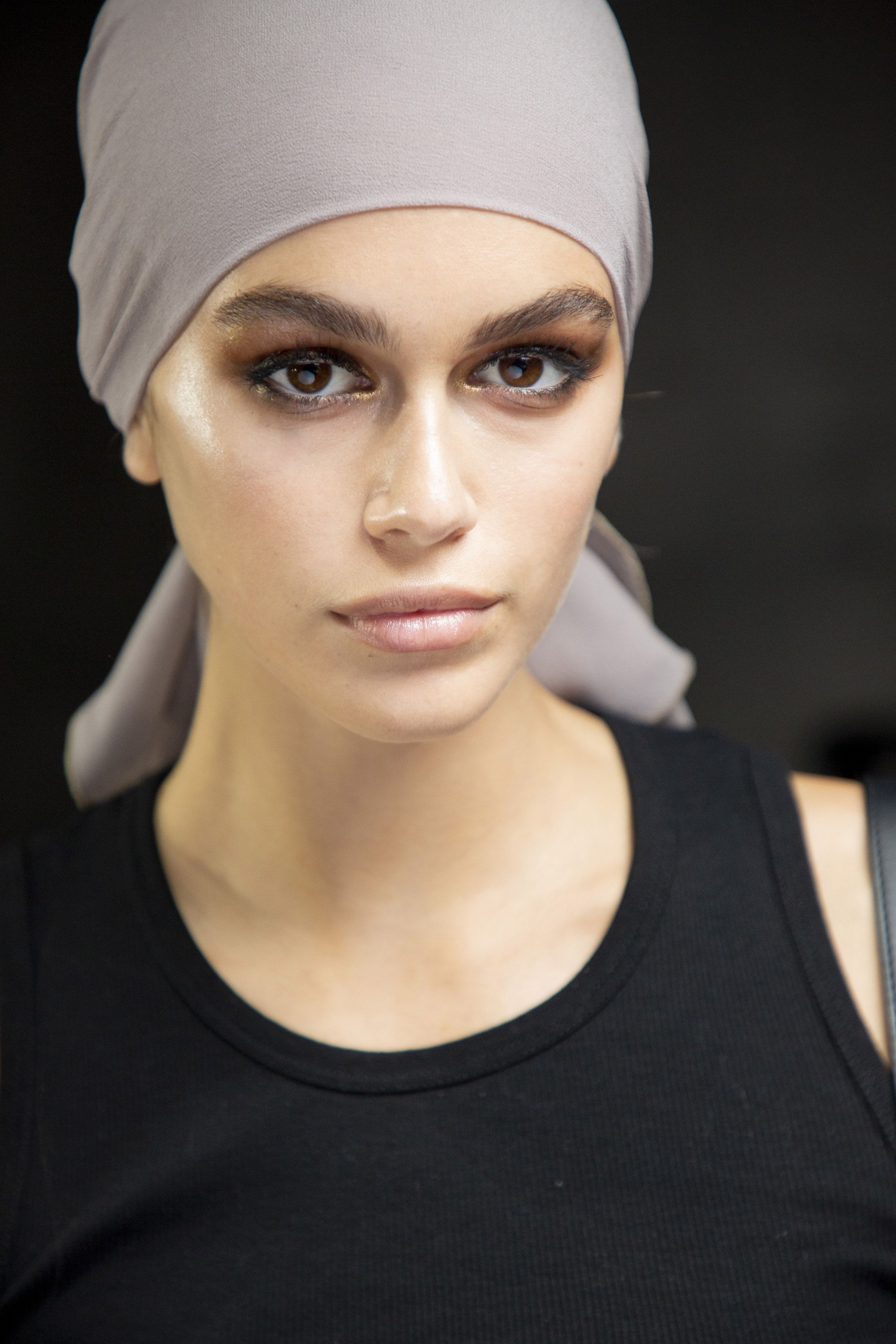 Ahead, 62 of our favorite lip, lashes, cheeks, and eye looks for spring from the designer runways in New York, London, Milan, and Paris. Makeup artist ...