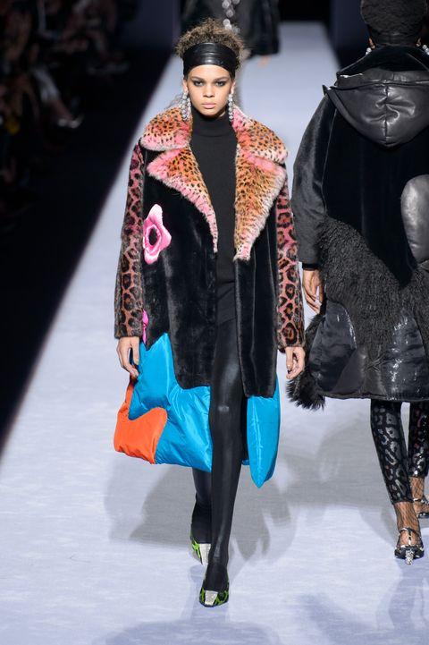 Fashion model, Fashion show, Fashion, Runway, Clothing, Fur, Outerwear, Fur clothing, Event, Human,