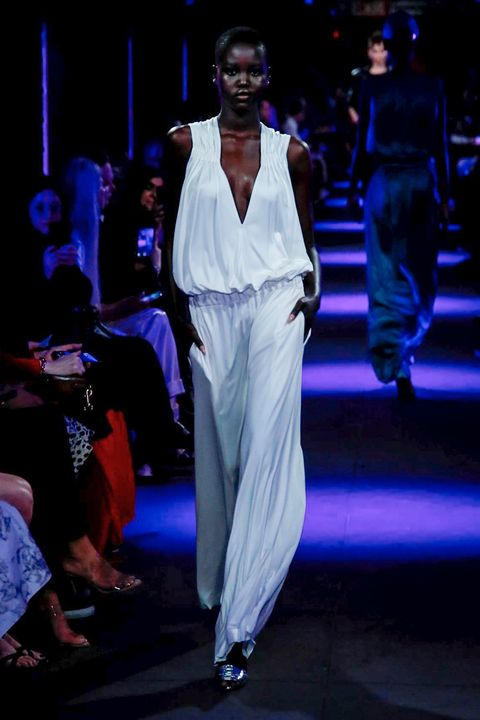 Fashion, Fashion show, Runway, Fashion model, Fashion design, Performance, Public event, Event, Haute couture, Model,