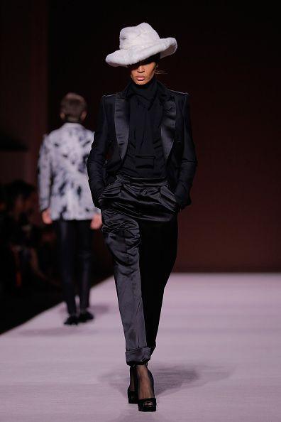 Fashion show, Fashion model, Runway, Fashion, Clothing, Public event, Event, Fashion design, Human, Outerwear,