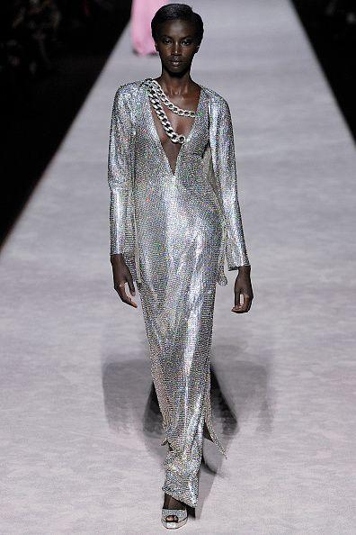 Fashion model, Fashion, Fashion show, Runway, Haute couture, Fashion design, Human, Event, Neck, Dress,