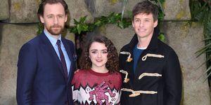 Tom Hiddleston, Maisie Williams y Eddie Redmayne, tres cavernícolas con buenas pintas