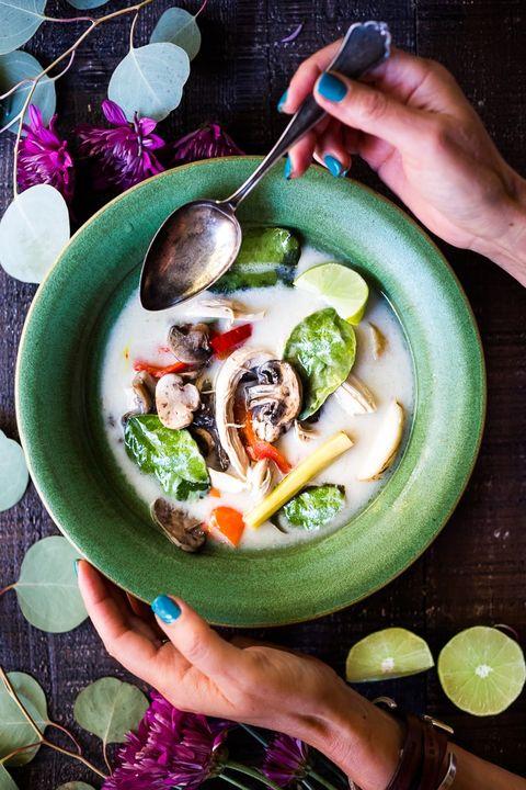 easy asian recipes  tom kha gai soup