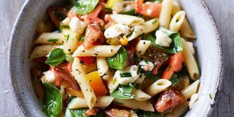 Snelle tomatenpasta met mozzarella