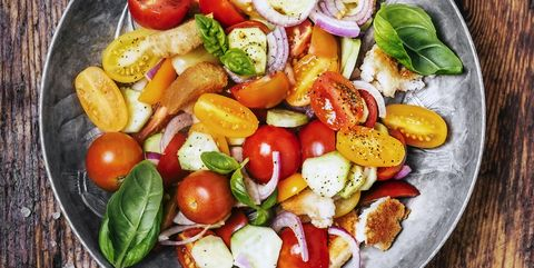 Tomato and bread salad (panzanella)