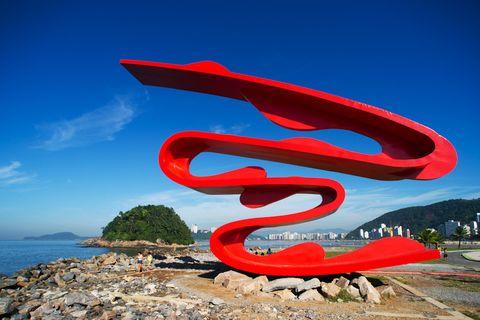 Escultura Tomie Ohtake