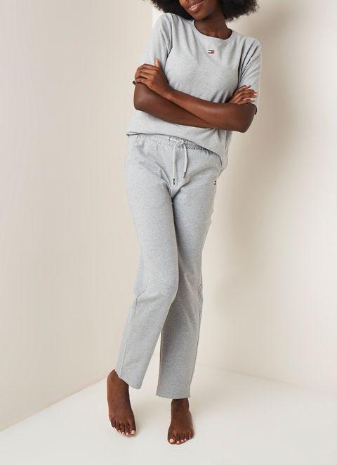 deze pyjama's zijn perfect als je lekker op de bank wilt chillen