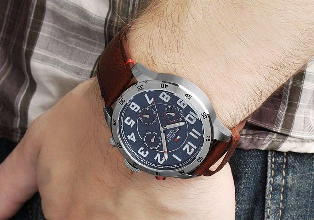 reloj analógico de cuarzo de hombre de tommy hilfiger