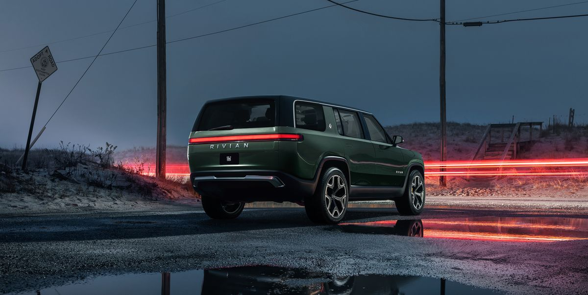 View Photos of the 2021 Rivian R1S