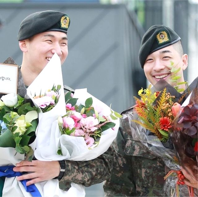 Uniform, Military officer, Military uniform, Floristry, Military person, Soldier,