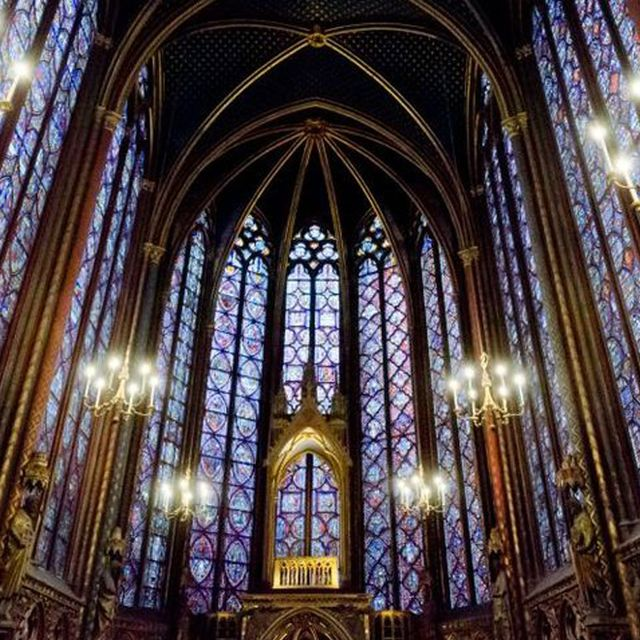 Place of worship, Stained glass, Chapel, Gothic architecture, Architecture, Holy places, Landmark, Cathedral, Church, Religious institute,