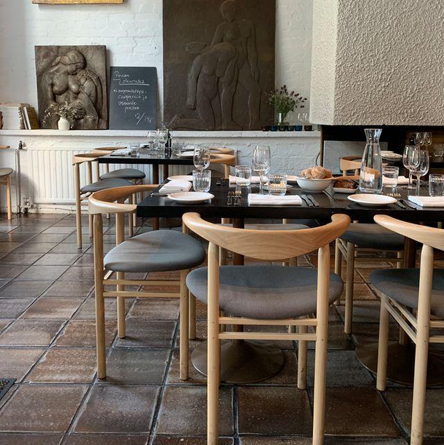 Restaurant, Interior design, Table, Furniture, Room, Building, Café, Coffeehouse, Cafeteria, Dining room,