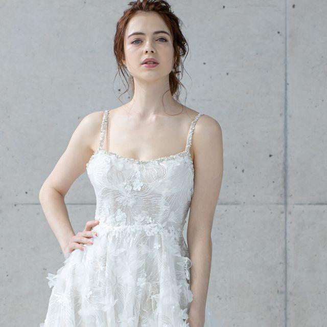 ドレスモアのエアリーレースドレス