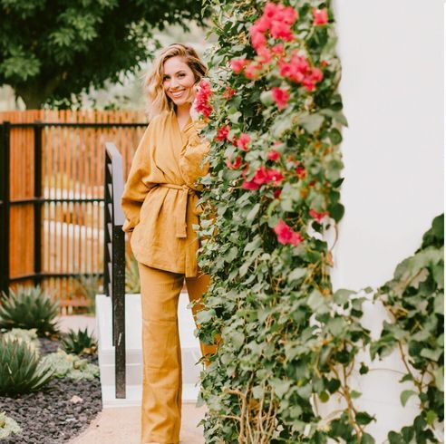 founder jaclyn johnson shows how her home embraces the great outdoors