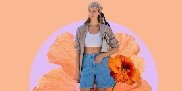 il top estivo corto sulla pancia è il pezzo jolly dei tuoi look delle vacanze, guarda come indossare il top crop bianco, quello crochet e ill crop top camicia