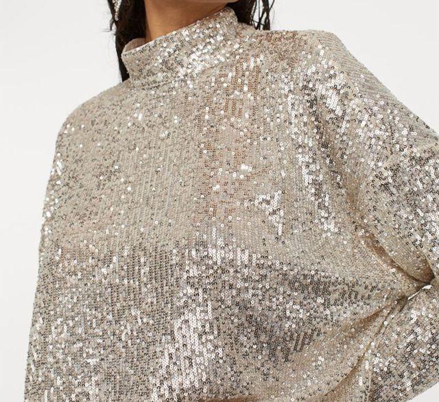 blusa de lentejuelas que hm ha reeditado paula echevarría la llevó en la navidad de 2019