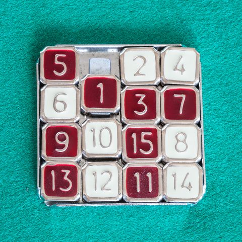 top view of 15-puzzle sliding puzzle game