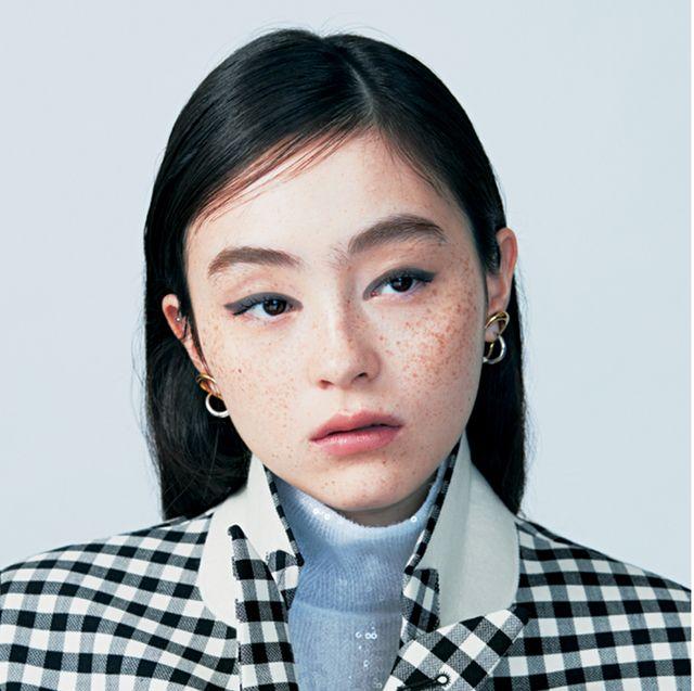Face, Hair, Eyebrow, Chin, Cheek, Nose, Lip, Hairstyle, Forehead, Head,