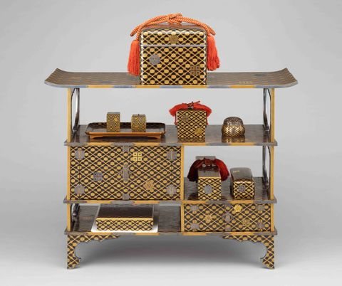 松菱蒔絵婚礼調度のうち厨子棚 日本・江戸時代 18~19世紀 根津美術館蔵