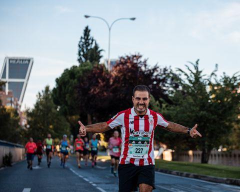 corredores en el edp rock 'n' roll maratón madrid 2021