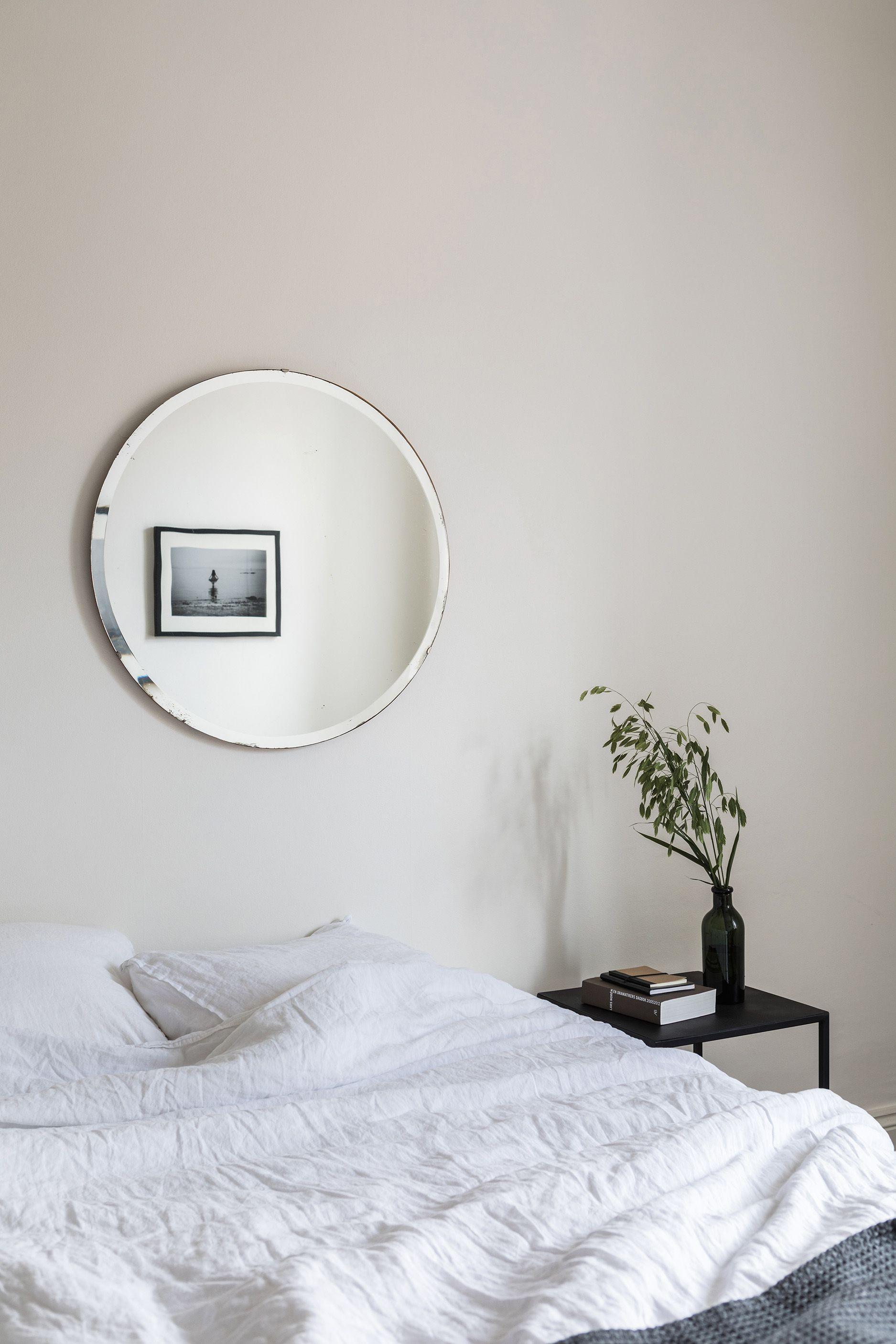 33 Minimalist Bedroom Ideas and Design Tips , Budget