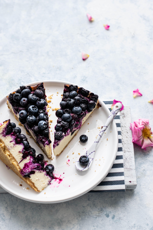 La ricetta perfetta della torta fredda allo yogurt che poi è la migliore cheesecake della tua vita?
