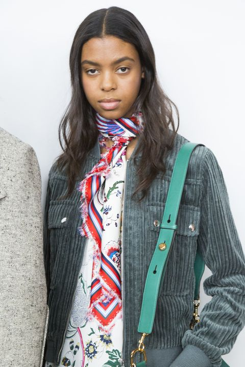 Clothing, Scarf, Outerwear, Fashion, Turquoise, Photo shoot, Fashion accessory, Jacket, Textile, Photography,