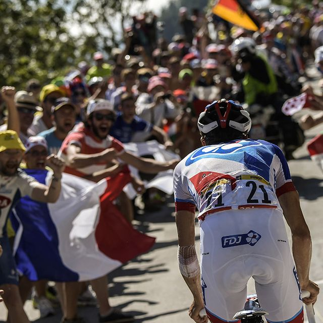 Crowd, Road bicycle racing, Cyclo-cross, Recreation, Vehicle, Competition event, Championship, Event, Team, Bicycle,